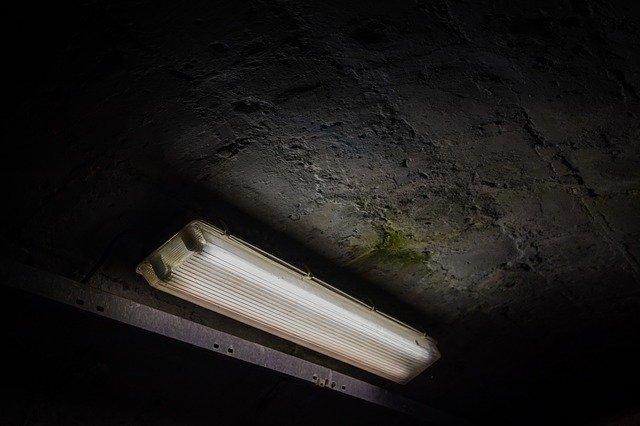 světlo v bunkru