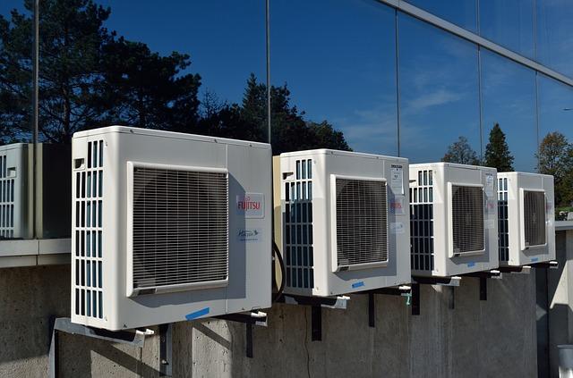 čtyři klimatizace.jpg